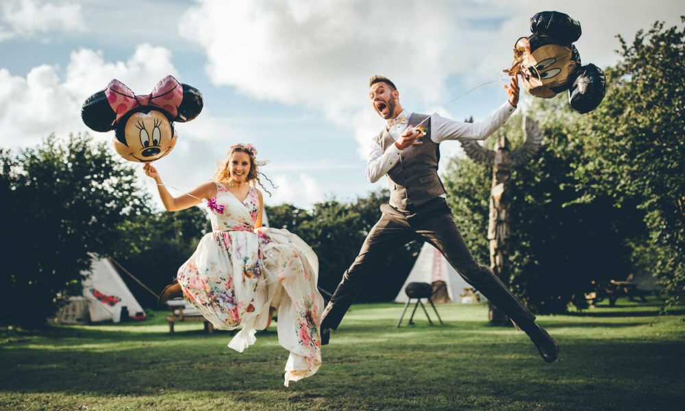 Lisa and Steven – Cornish Tipi Wedding Photographer