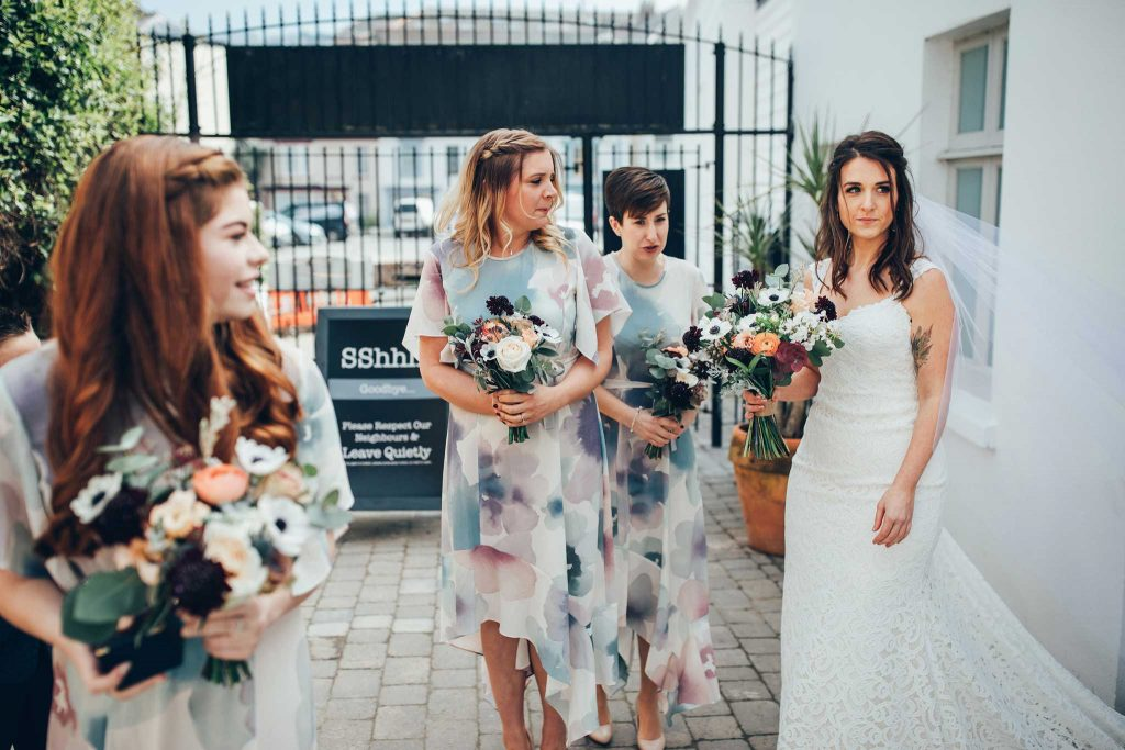 Tunnels Beaches brides
